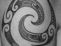 te-moko-maori-shoulder-round-koru-new-zealand