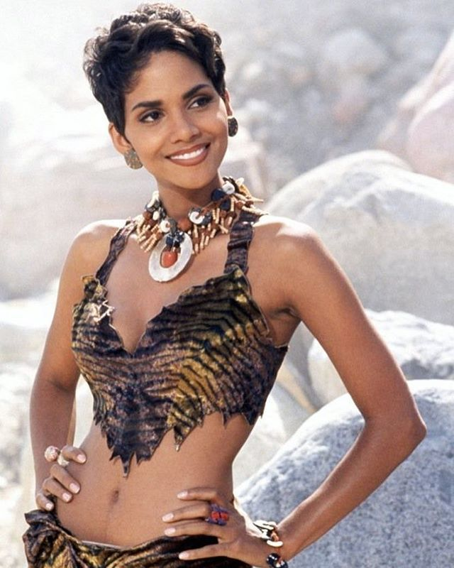 Let's not forget  #halleberry #flintstones