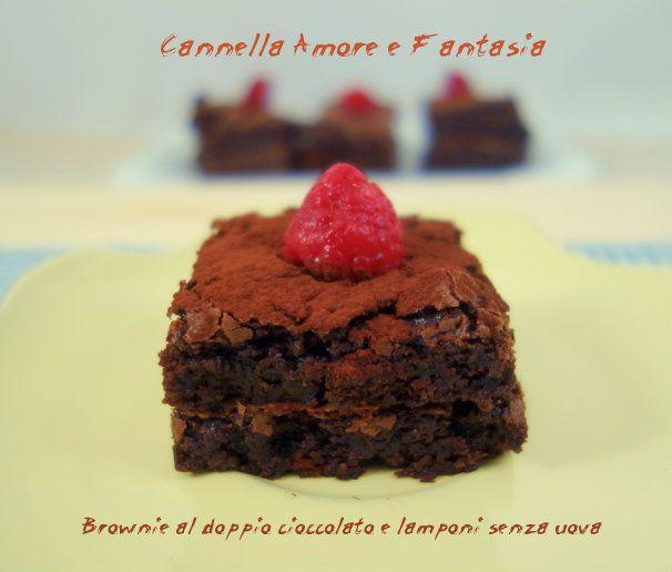 Brownie al doppio cioccolato e lamponi senza uova