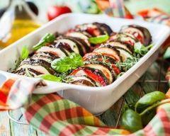 Tian de légumes au thym : http://www.cuisineaz.com/recettes/tian-de-legumes-au-thym-79962.aspx