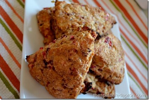 Cranberry Yogurt Scones...easy as muffins! >> Might try these this weekend!Chobani Yogurt, Cranberries Yogurt, Cranberries Scones, Chobani Chobaniac, Chobaniac Creations, Yogurt Sconeseasi, Scones Recipe, Yogurt Scones Easy, Yogurt Scones Hmm May