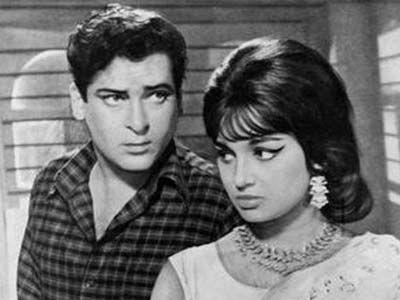 Romance king Shammi Kapoor's Bollywood journey http://ndtv.in/1650rhN