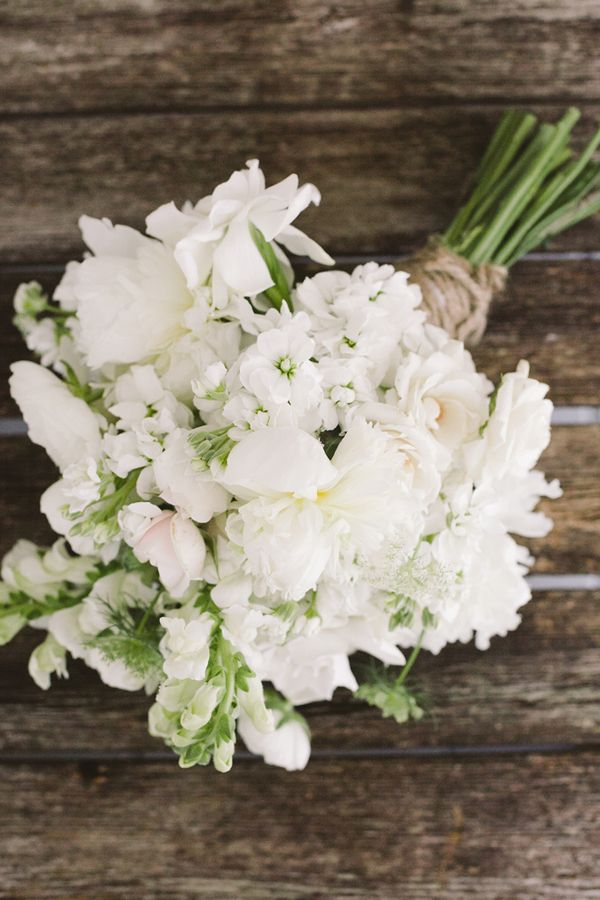white and green bouquet with burlap