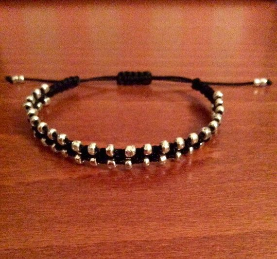 Macrame bracelet in a bollywood style with grey beads