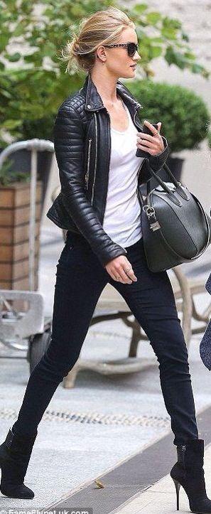 Candice Swanepoel im coolen Streetstyle-Look black and white. Wir zeigen euch…