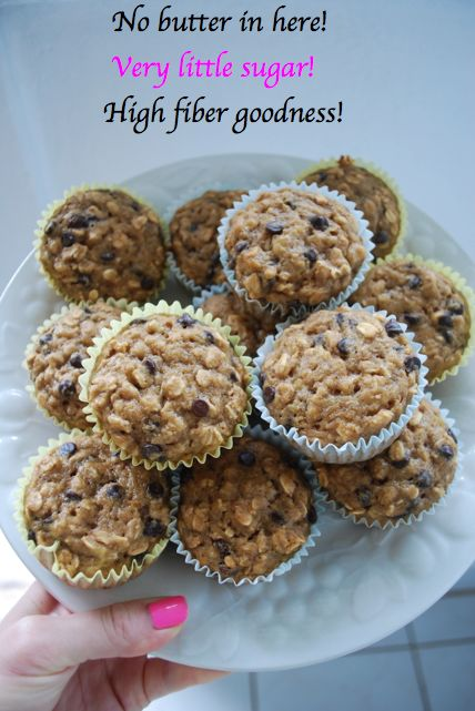 {Healthy} Banana Oat Chocolate Chip Muffins  I will use quinoa flour and sugar free chocolate chips