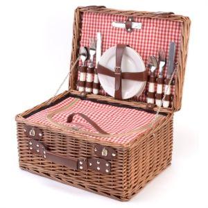 Diverse modellen picknickmanden bij La Chaise Longue, stand 5D 402
