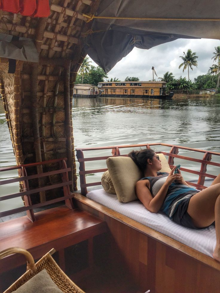 Laid back cruising along the Backwaters of #Kerala, India www.finisterra.ca #incredibleindia #backwaters