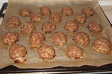 Das perfekte ofenfrikadellen schnell gemacht und gut zum kalt essen-Rezept mit Bild und einfacher Schritt-für-Schritt-Anleitung: Alles vermischen und zu…