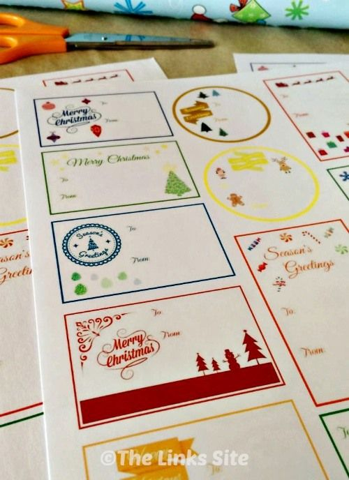 These cute Christmas gift tags can be printed on cardstock, adhesive paper, or photo paper! #diy