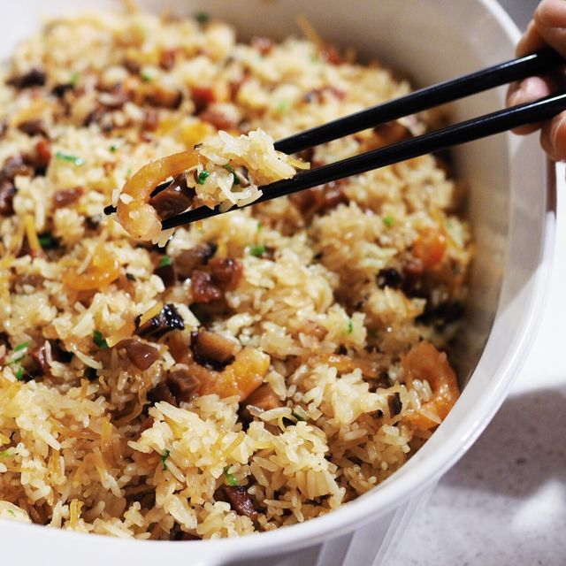 Not sure if you noticed, I don't cook a lot of Chinese food. I find Chinese cooking complicated and requiring a lot of prep beforehand, i.e. marinating or soaking. But every now and then, I t…