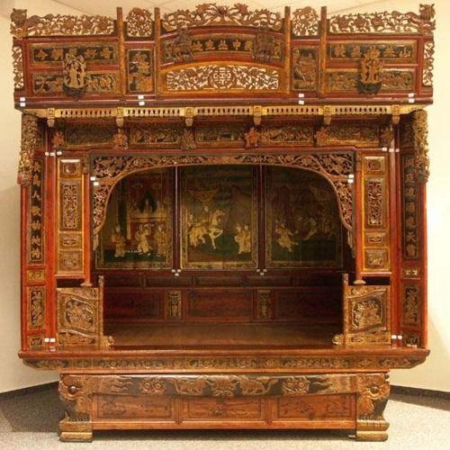 Antique Bed: H A N D M A D E.// V E R N A C U L A