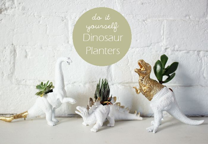 DIY: Dinosaur Planters by www.kittenbear.net: Ideas, Diy Dinosaurs, Diy'S, Dino Planters, Plastic Animal Crafts, Dinosaurs Planters, Plastic Animals, Flowers Planters, Animal Planters