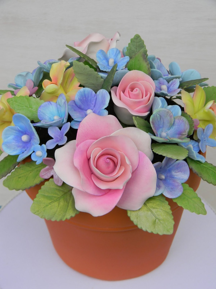 terracotta flower pot cake...too pretty to cut!
