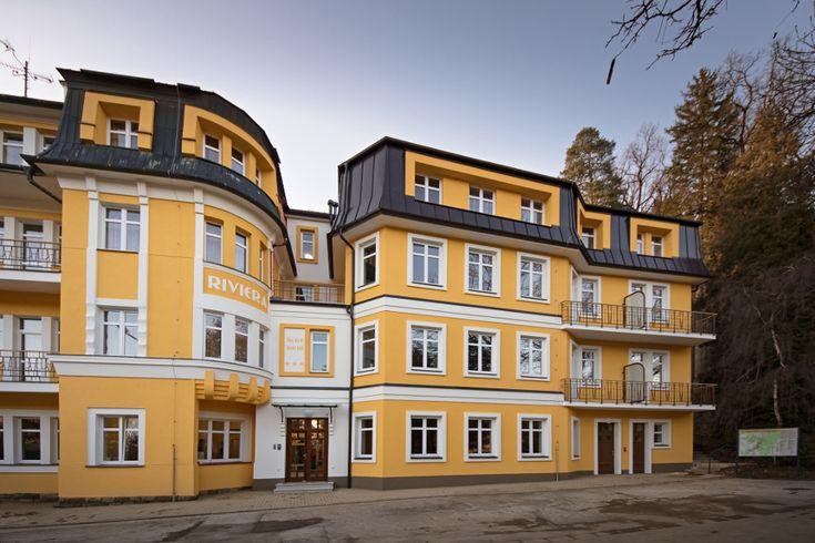 V Luhačoviciach otvorili zrekonštruovaný garni hotel Riviera *** V Kúpeľoch Luhačovice spustili rozsiahle rekonštrukcie, hotel Palace bude komfortnejší   Kúpele (Lázně) Luhačovice, a. s., aj tento rok pokračujú v rekonštrukcii svojich kapacít. Od 13. februára 2018 si hostia môžu vybrať na pobyt bývalý penzión Riviera, ktorý sa zmenil na moderný trojhviezdičkový garni hotel s 73 lôžkami, recepciou, reštauráciou a novým výťahom.