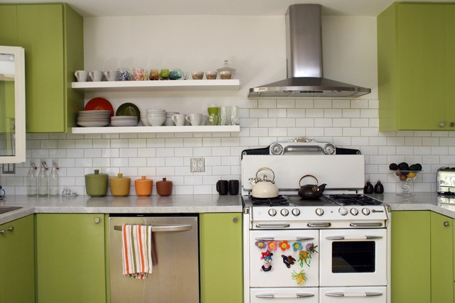 small pyramid hoodVintage Stoves, Open Shelves, Green Cabinets, Dreams Kitchens, Green Kitchens, White Subway Tile, Gardens House, Kitchens Cabinets, White Kitchens