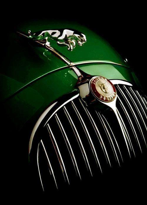 Jaguar Mark 2   Sportlimousine mit 4 Türen   3,8 l Straight 6 250 PS   Produziert zwischen ….