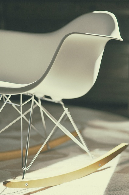 eames - on of my favorite chairs. I hope to have one some day. (On a side note, my very small grandson thinks they look like ducks. Do you see it?)