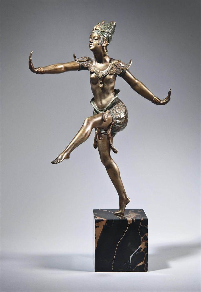 MARCEL-ANDRE BOURAINE (1886-1948) - JAVANESE DANCER, CIRCA 1925