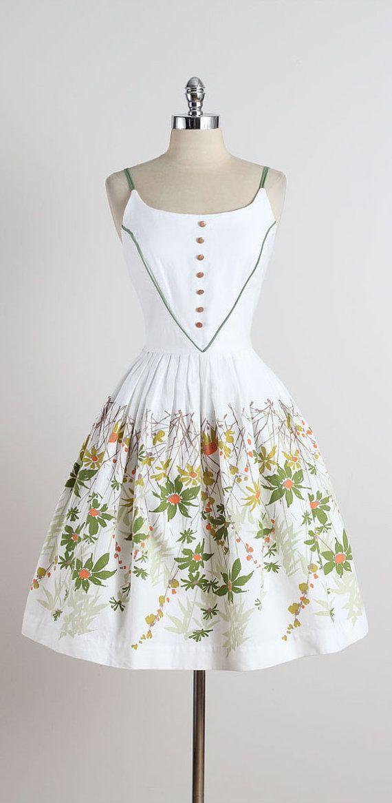 cool Field Daisy . vintage 1950s dress . vintage cotton dress . 4924