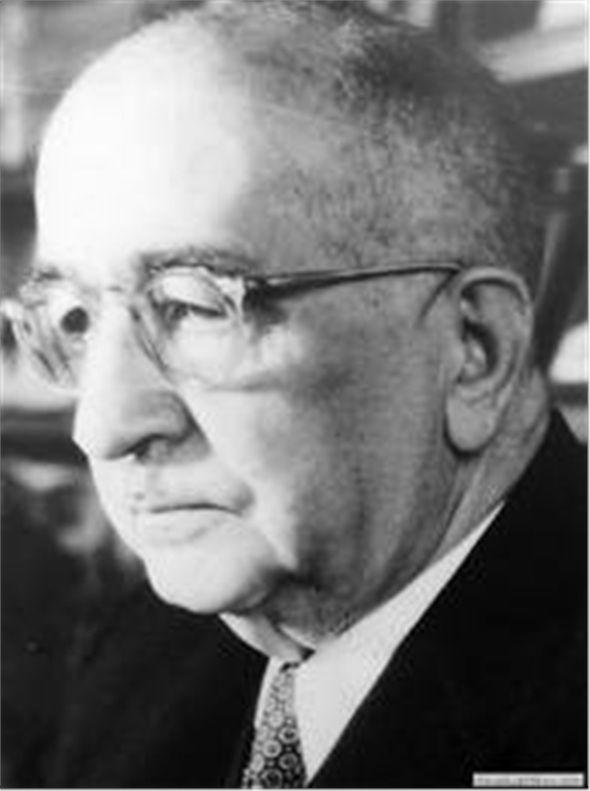 Türkiye Verem Savaş Derneği'nin kurucusu ve önderi olan Tevfik Sağlam, 1948-1963 yılları arasında derneğin başkanlığını yürütmüştür. Türkiye'deki ilk Akciğer Hastalıkları (Fitzyoloji) kürsüsünü kuran kişidir. Ayrıca 1926 yılında kurulan Kızılay Hemşire Okulu'nun da kurucularından birisidir.