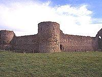 Pevensey & Hastings - 1066 Country [East Sussex]      Restiamo nell'East Sussex per scoprire due località che giocarono un ruolo fondamentale nell'invasione Normanna dell'Inghilterra ad opera di Guglielmo il Conquistatore: a Pevensey sbarcò e ad Hastings fu eretto il suo primo castello, per poi combattere la battaglia definitiva contro il Re Sassone nell'immediato entroterra.     Pevensey   Le rovine del castello di Pevensey sono fra le più ricche di storia dell'Inghilterra. Il circuito…
