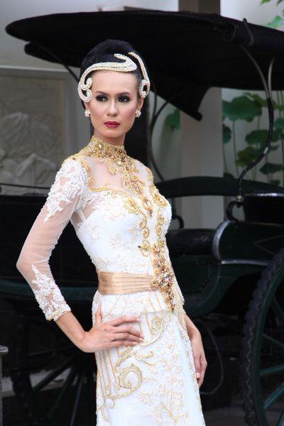 Love bali fashion 2016 - kebaya modern dress - offwhite
