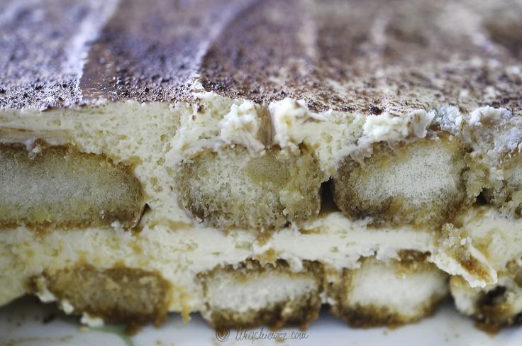 Nasz popisowy deser na Dzień Mamy? Tiramisu, czyli król włoskich deserów! Pssssst: znamy zaskakująco prosty w wykonaniu przepis.