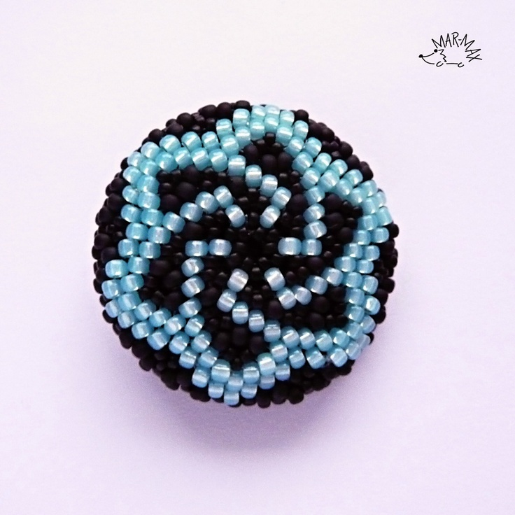 beaded button - very pretty design in 11.0 and 15 toho