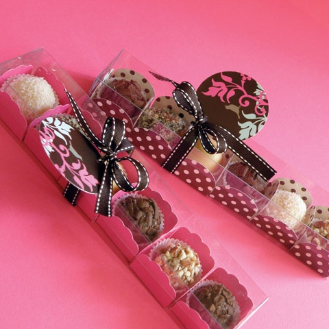 Cute packaging idea.  Great gift wrap for mini muffins, bonbons, etc.