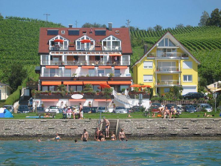 Bild: Hotel Seegarten in Meersburg: Urlaub direkt am Bodensee mit Seeblick
