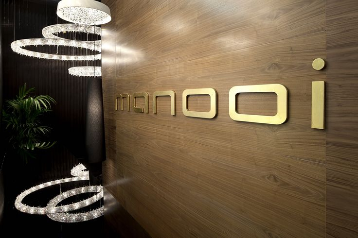 Light + Building 2014, Looop composition, Tondo crystal chandelier  www.manooi.com #Manooi #Chandelier #CrystalChandelier #Design #Lighting #exhibition #LightBuilding