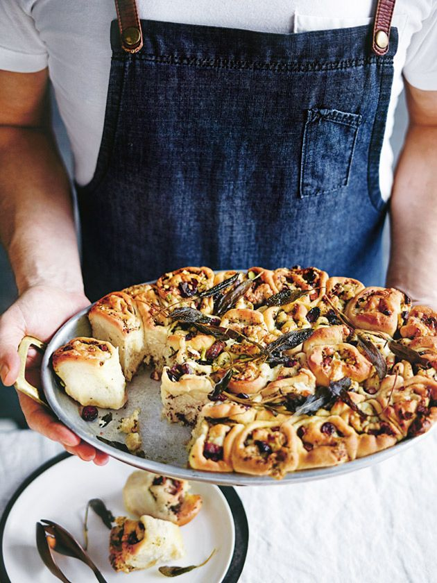 sage, speck and roasted garlic pull-apart bread from donna hay