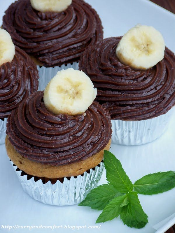 Peanut Butter and Banana Cupcakes with Nutella Cream Cheese Frosting