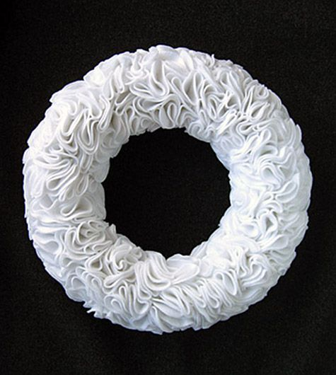 Ruffly Felt Wreath  Wonder if I could do this with coffee filters...
