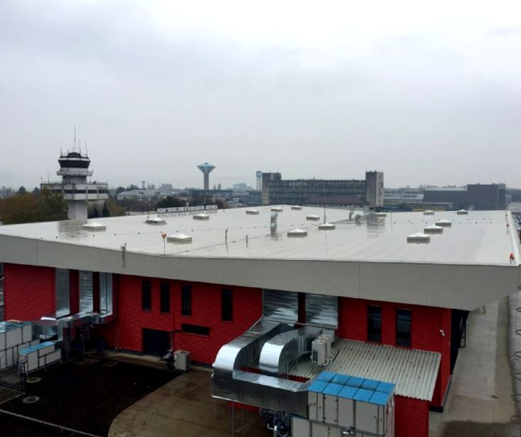 Da, securitatea în caz de incendiu implică mai multe soluții, iar trapele de fum constituie o parte din ele. Începând cu 15 noiembrie, trapele de fum Makroplast servesc ca protecție la Aeroportul Internațional Bacău.