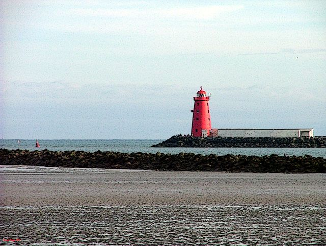 10 Dublin Attractions Most Tourists Miss: South Wall and Poolbeg Lighthouse