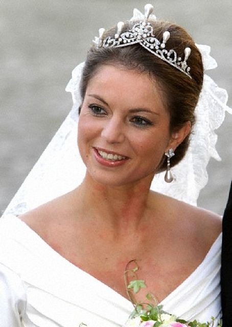 Princess Annemarie of Bourbon-Parma, daughter in law of Princess Irene, wearing the Emerald Tiara with pearls on her wedding day, 2010