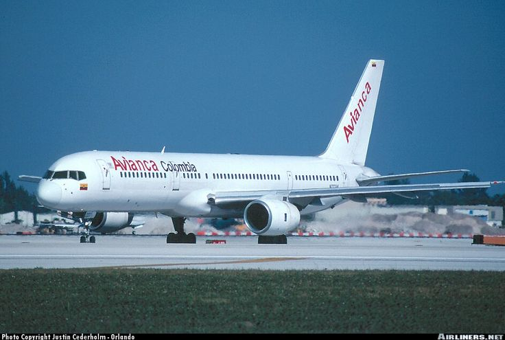 Avianca Colombia Boeing 757-236