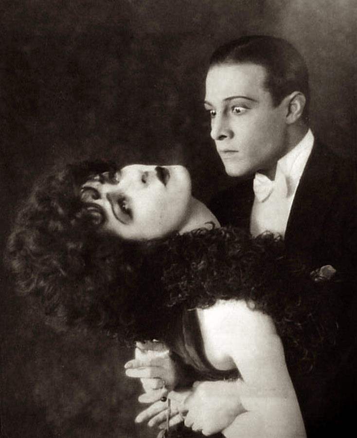Rudolph Valentino and Alla Nazimova in Camille / la dame au camélia, film directed by Ray C. Smallwood, 1921.