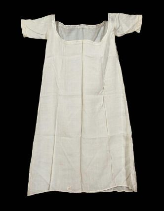 1821 approx. Woman's chemise, French, worn in America by Mehetable Stoddard Sumner (Welles), American, 1784–1826 mfa.org