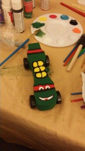 TMNT pine wood derby car. This made me the best mommy ever! #scoredsomemajormommypoints.