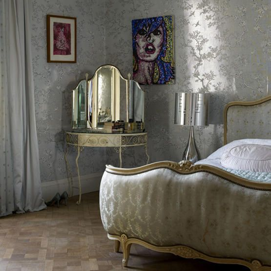 silver wallpaper - but only on one wall - cause otherwise it would be - ya know - de trop