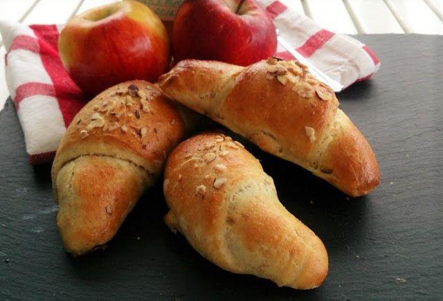 Saras madunivers: Kærnemælkshorn med æblefyld.