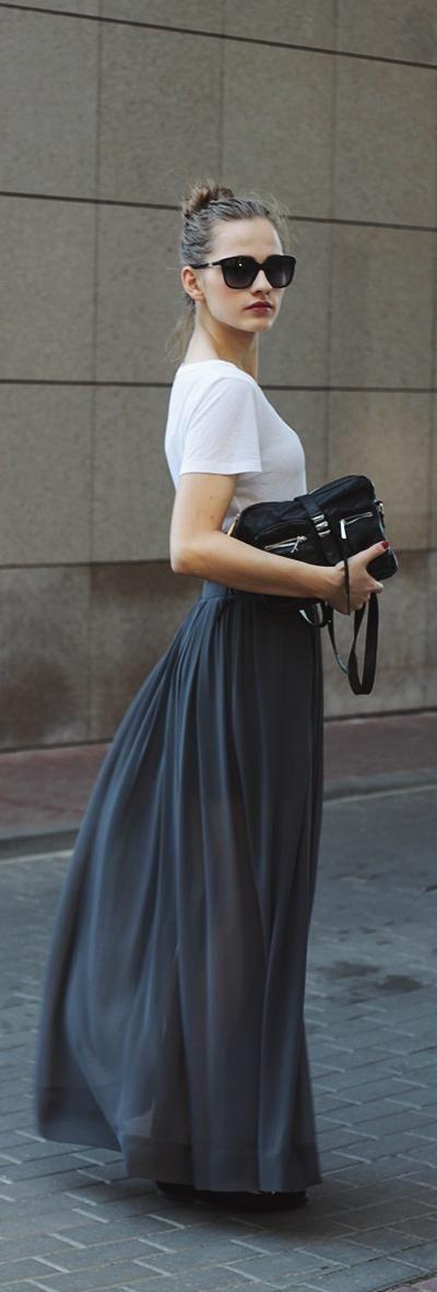 #白黒 #Tシャツ #ロングスカート #マキシ