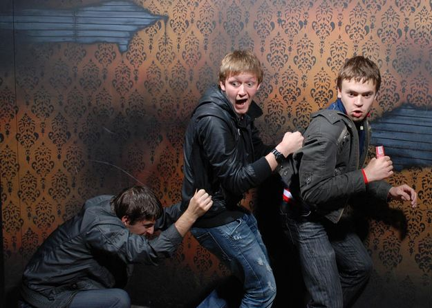 The 45 Best Pictures Of Scared Bros At A Haunted House Of 2012 - BuzzFeed Mobile