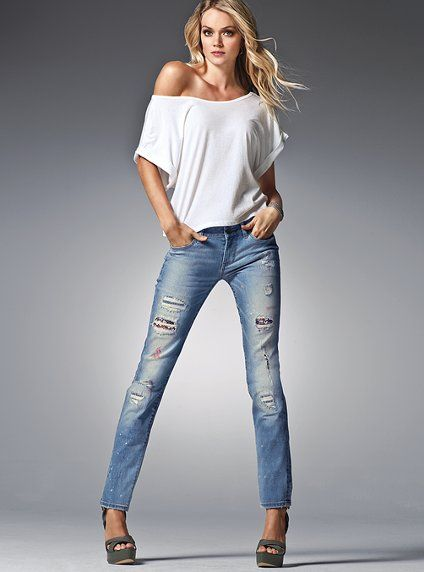I love a white tee and a pair of good jeans. Classic and works for everyone.