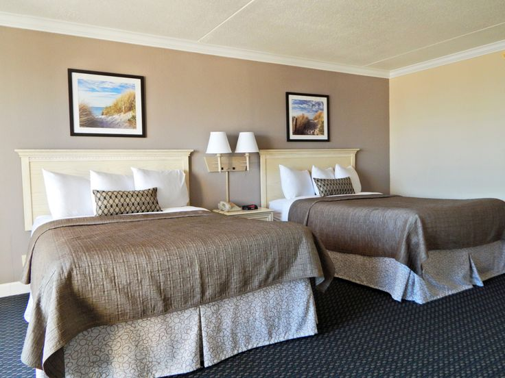 Love our new painted walls in the Hotel Rooms at Grande Shores! Really brings the room together!