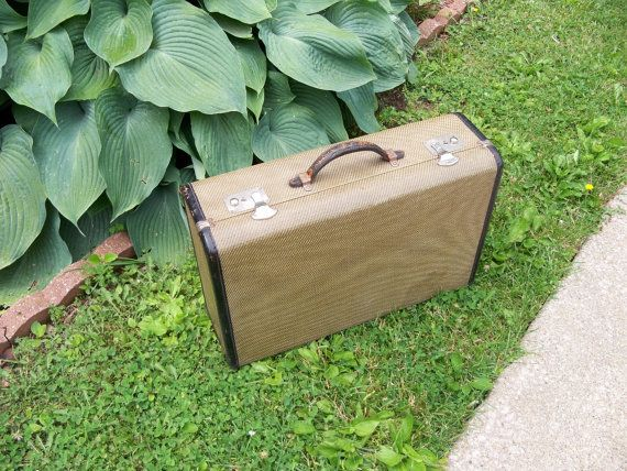 55 best I Love Vintage Suitcases! images on Pinterest | Vintage ...