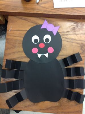 I am TERRIFIED of all kinds of creepy crawly things! Spiders, insects, lizards, snakes....Yuck!! But, for some reason I LOVE teaching about...